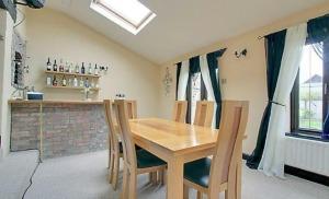 stroat-ashwell-grange-10-dining