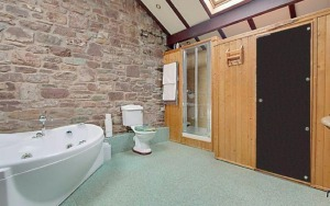 stroat-ashwell-grange-13-bathroom