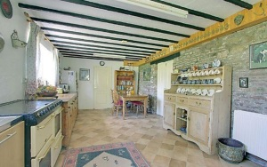 stroat-farm-cottage-kitchen-02