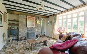 stroat-farm-cottage-sitting-room-01